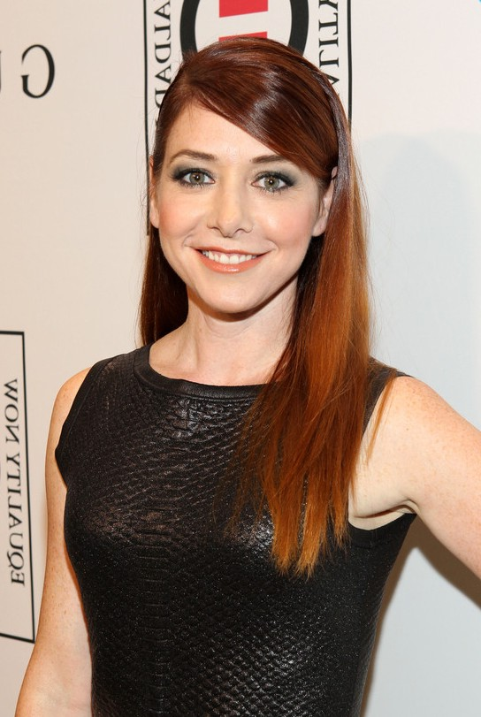 Alyson Hannigan Simple Easy Long Copper Straight Hairstyle With Bangs Styles Weekly