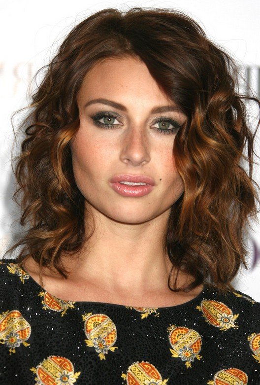 Stupendous Alyson Michalka Cute Shoulder Length Curly Hairstyle For Girls Hairstyle Inspiration Daily Dogsangcom