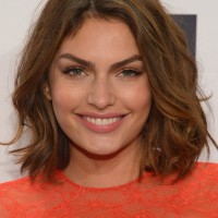 Alyssa Miller Latest Shoulder Length Hairstyle with Waves