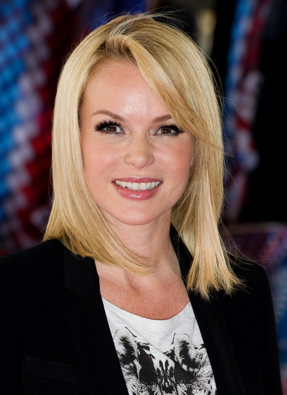 Amanda Holden Medium Straight Haircut With Bangs For