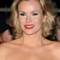 Amanda Holden Shoulder Length Wavy Hairstyle for Prom