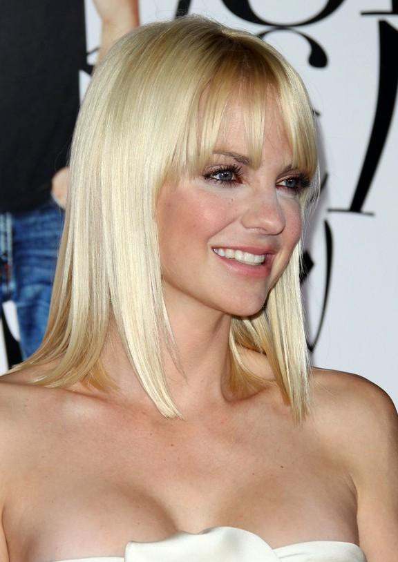 Anna Faris Blonde Straight Shoulder Length Bob Hairstyle
