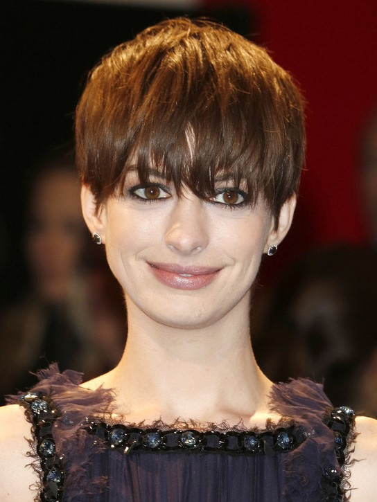 Anne Hathaway Short Hairstyle with Shaggy Bangs