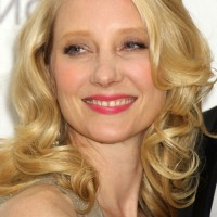 Anne Heche Shoulder Length Blonde Wavy Curly Hairstyle for Summer
