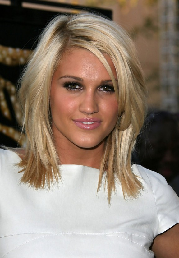 Ashley Roberts Layered Hairstyle For Medium Length Hair Styles Weekly