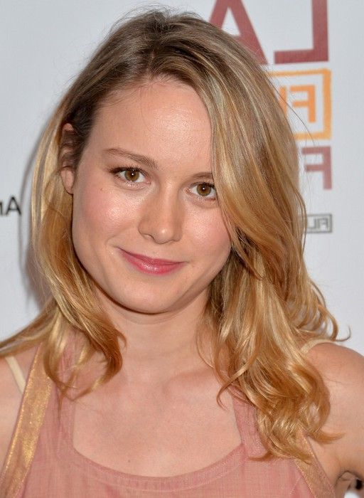 Brie Larson Everyday Long Hairstyle With Waves Styles Weekly