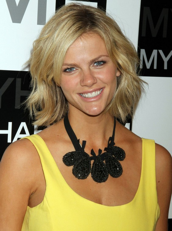 Brooklyn Decker Choppy Bob