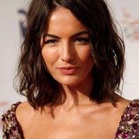 Camilla Belle Chic Layered Messy Medium Wavy Bob Haircut for Summer
