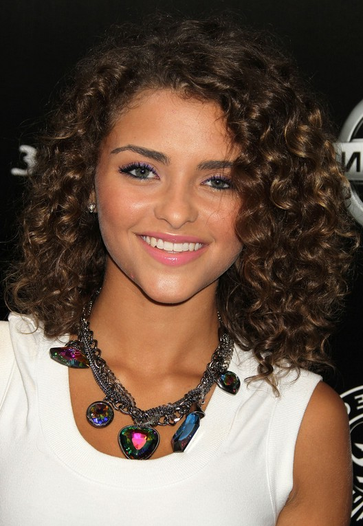 shoulder length haircuts for curly hair soft curly hairstyle for shoulder length hair 1834