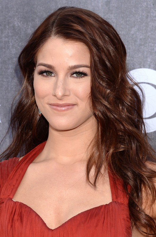 Cassadee Pope Layered Long Hairstyle with Waves | Styles Weekly