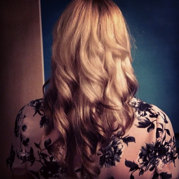 Casual Ombred Long Wavy Hairstyle