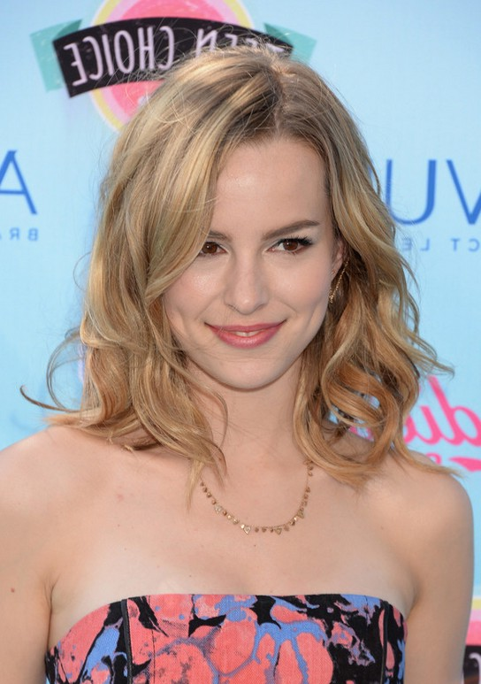 Celebrity Bridgit Mendler Mid Length Hairstyle With Waves