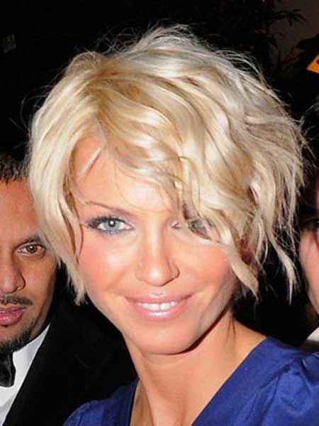 Celebrity Cute Short Curly Hairstyle with Side Bangs