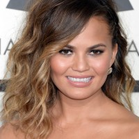 Chrissy Teigen Shoulder Length Ombre Wavy Hairstyle