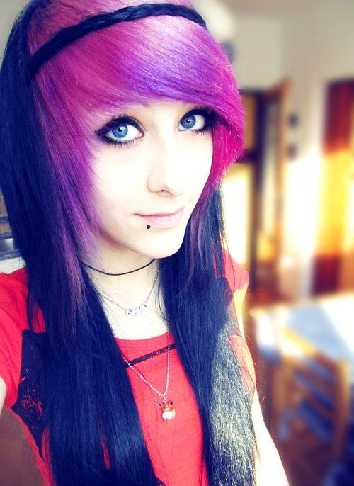 Cool Emo hairstyle for girls with long hair | Styles Weekly