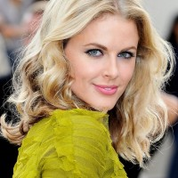 Donna Air Medium Length Hairstyle for Fall