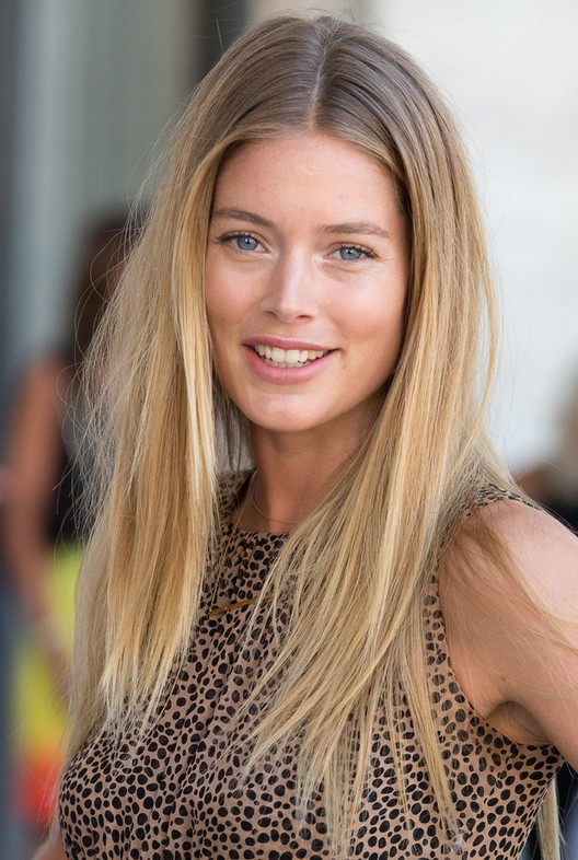 Doutzen Kroes Simple Layered Straight Hairstyle For Fine