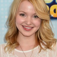 Dove Cameron Cute Mid Length Wavy Hairstyles for Girls