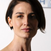Erin O'Connor Side Parted Haircut for Short Hair