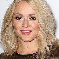 Fearne Cotton Chic Medium Wavy Hairstyle for Fall