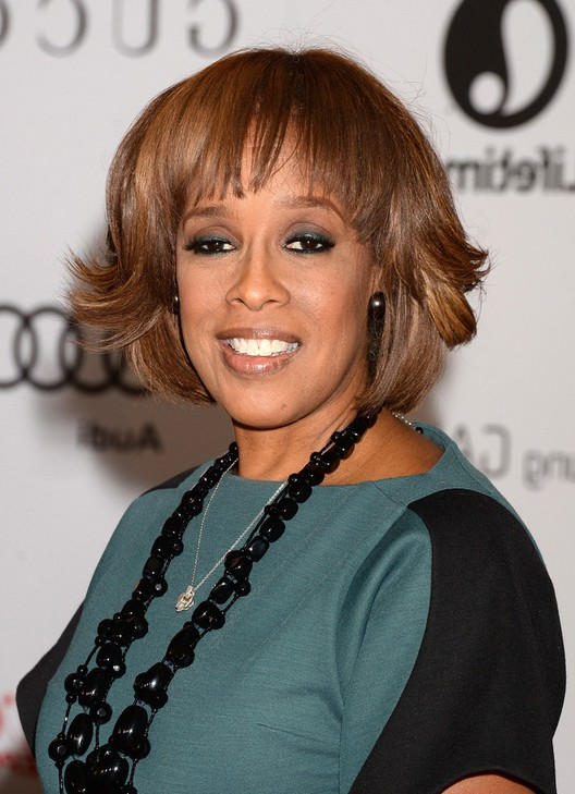 Gayle King Short Layered Hairstyle With Bangs Styles Weekly
