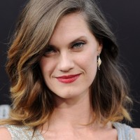 Heather Doerksen Latest Medium Ombre Hairstyle with Waves