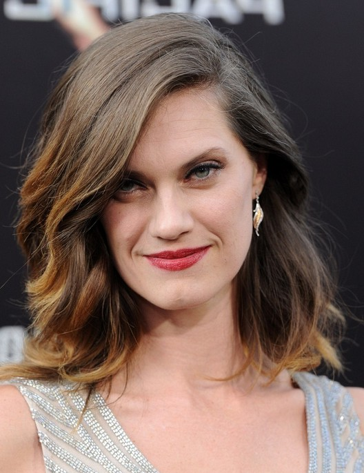 Heather Doerksen Latest Medium Ombre Hairstyle with Waves ... Heather Doerksen