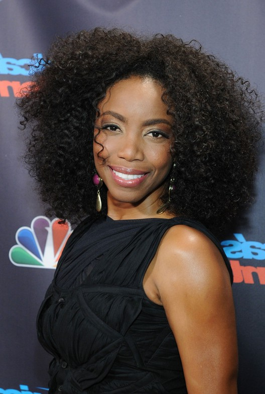 Heather Headley Medium Black Hairstyle For Curly Hair