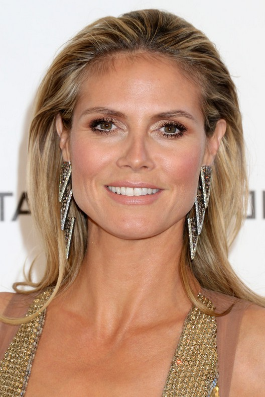 Heidi Klum Elegnat Teased Hairstyle For Long Straight Hair