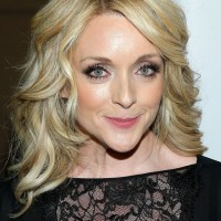 Jane Krakowski Cute Medium Blonde Hairstyle with Curls