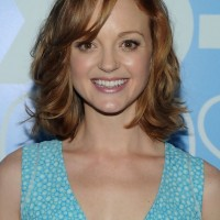 Jayma Mays Chic Simple Easy Mid Length Wavy Haircut for Summer