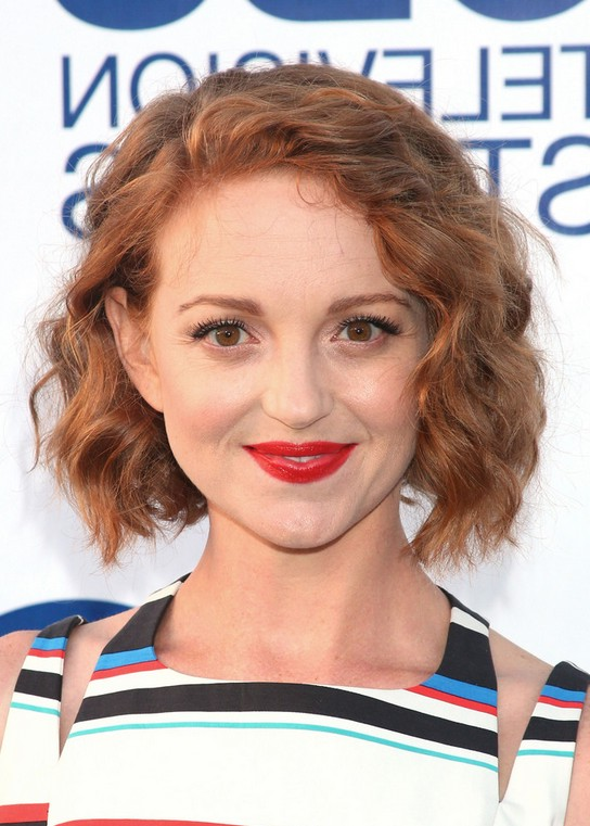 Jayma Mays Cute Messy Short Wavy Hairstyle for Summer