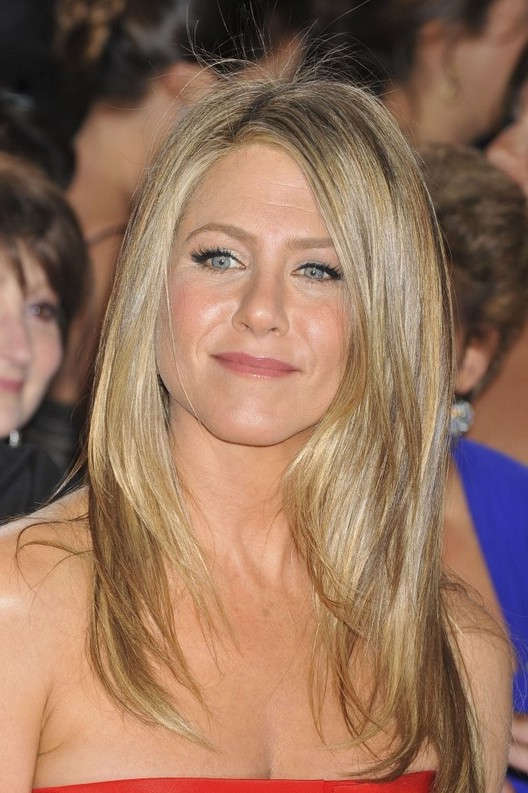 Jennifer Aniston Latest Hairstyles Rex Features Pictures to pin on ...
