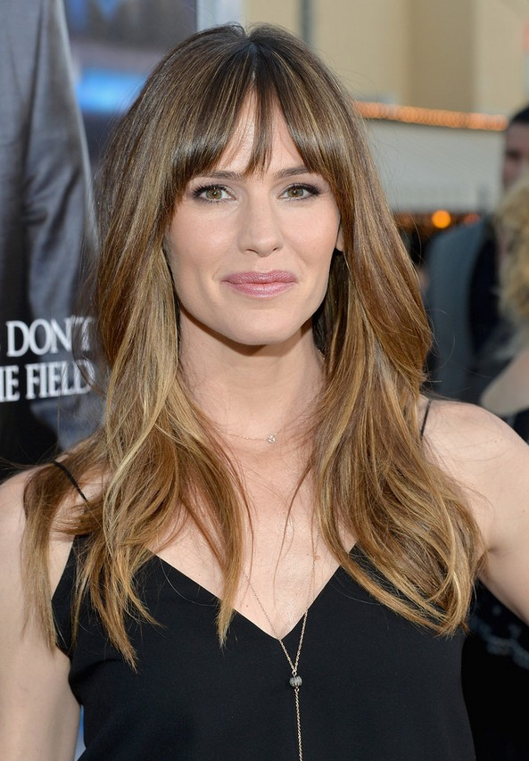 Jennifer Garner Long Layered Wavy Hairstyle With Wispy Bangs