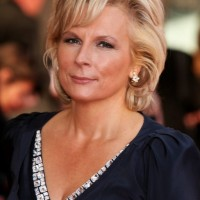 Jennifer Saunders Short Blonde Wavy Hairstyle for Women Over 50