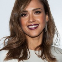 Jessica Alba Shoulder Length Wavy Hairstyle