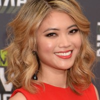 Jessica Lu Medium Loose Wavy Curly Hairstyle