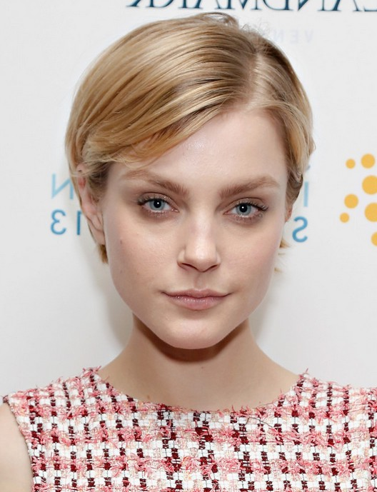 Quick hairstyles: Jessica Stam Cute Short Straight Hairstyle for ...