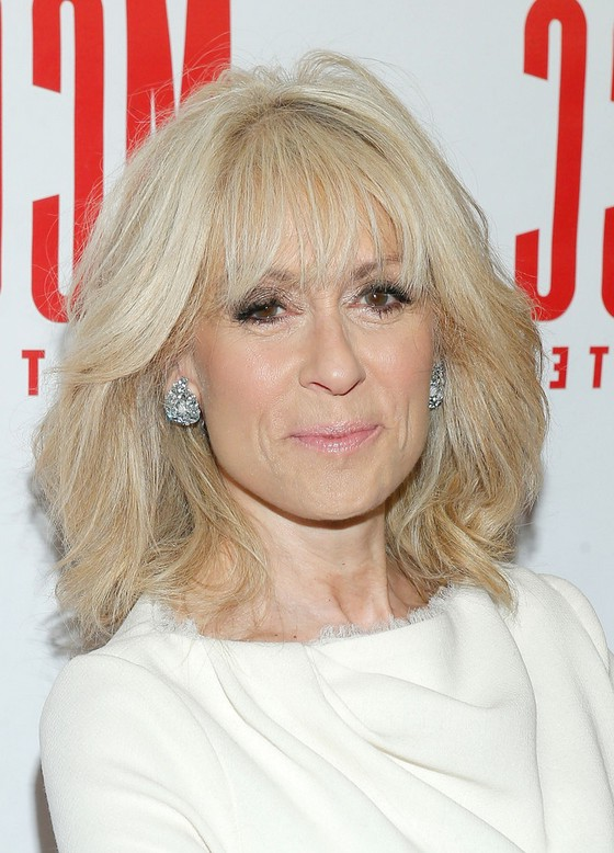 Judith Light Haircut: Latest Textured Medium Haircut with Layers for ...