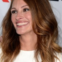 Julia Roberts Latest Medium Brunette Wavy Haircut