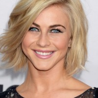 Julianne Hough Cute Choppy Blonde Wavy Hairstyle for Summer