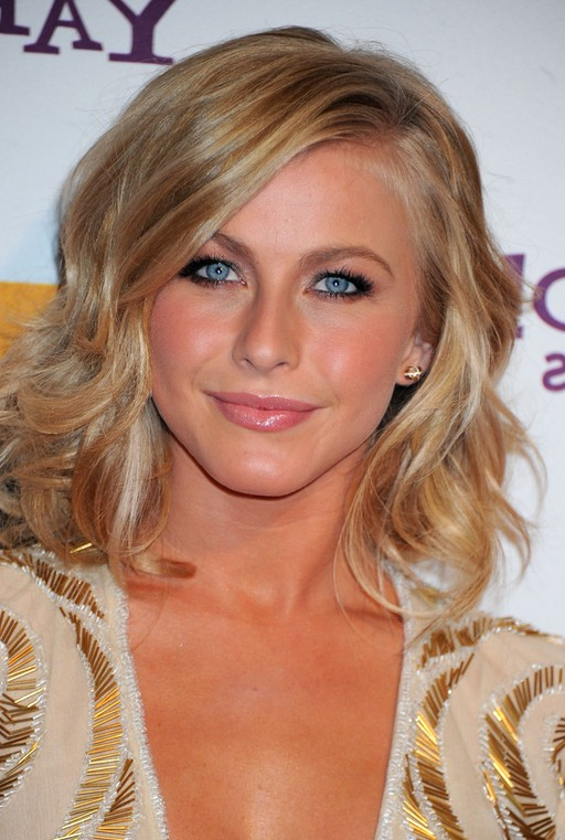 Julianne Hough Cute Layered Mid Length Wavy Hairstyle For