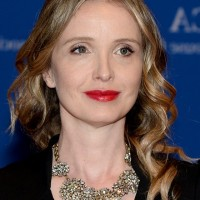 Julie Delpy Shoulder Length Hairstyle with Waves