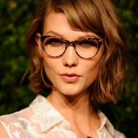 Karlie Kloss Short Messy Wavy Bob Haircut with Bangs