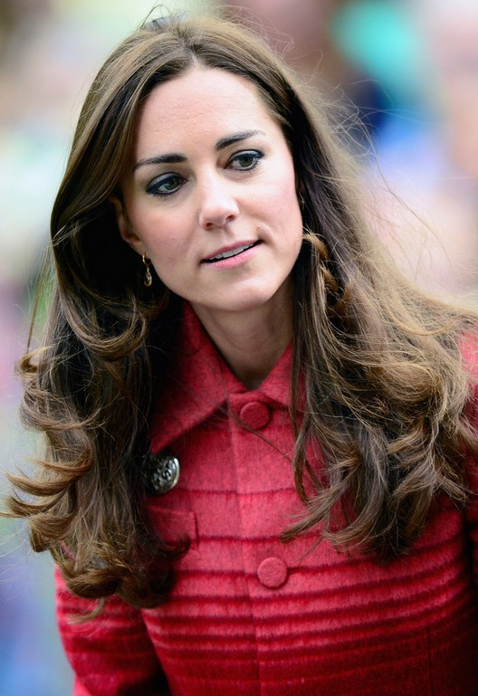 Kate Middleton Long Wavy Hairstyle For Thick Hair Styles