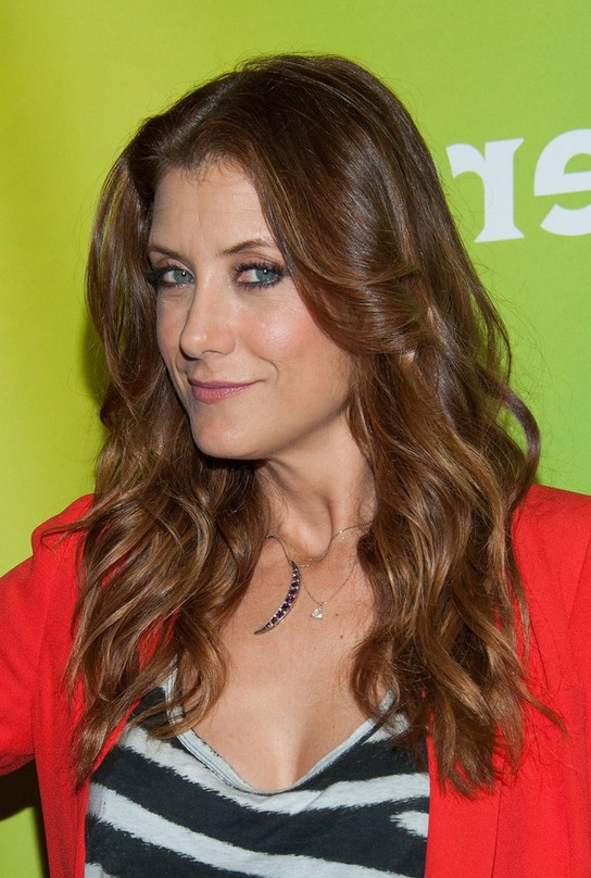 Kate Walsh Center Parted Long Wavy Hairstyle For Summer