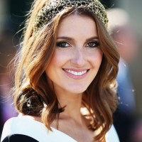 Kate Waterhouse Medium Wavy Hairstyle for Wedding