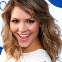 Katharine McPhee Chic Shoulder Length Wavy Haircut with Bangs