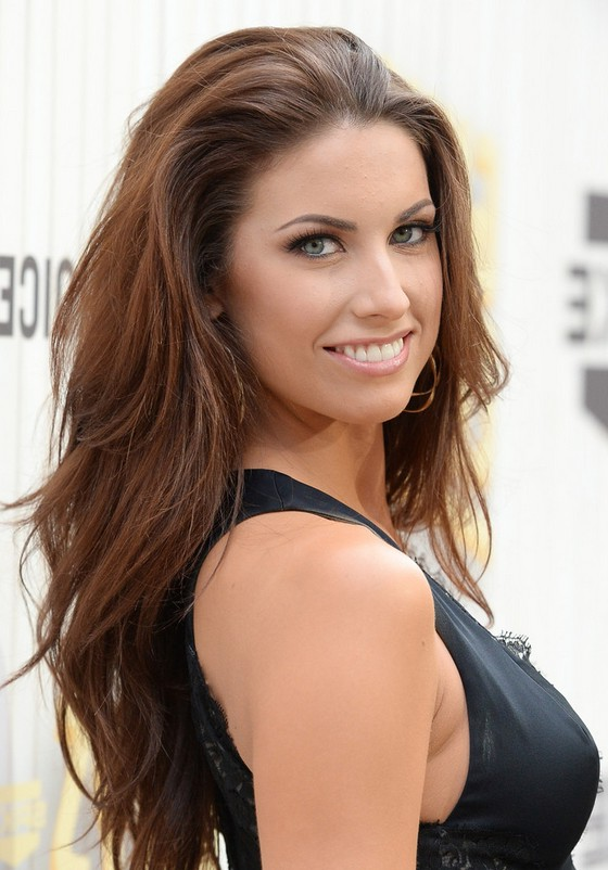 Katherine Webb Latest Choppy Long Layered Hairstyel For