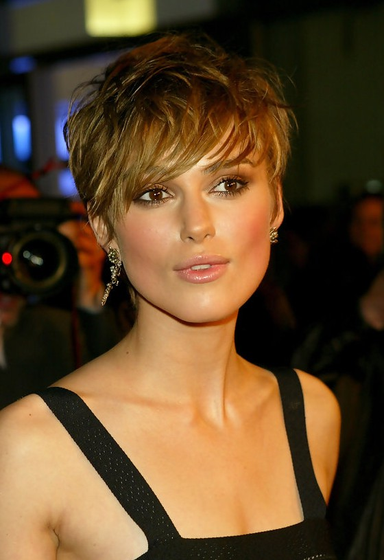 Keira Knightley Short Layered Straight Haircut With Bangs
